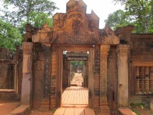 Banteay Srei entrance(gopura)