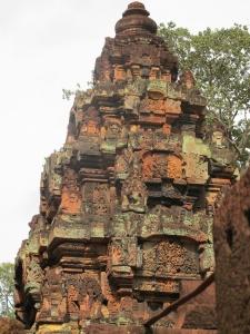 Banteay Srei-Ramayana scenes on tower