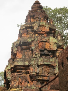 Banteay Srei-Ramayana scenes on tower