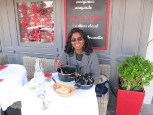 Enjoying moules marinara
