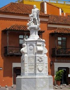 Columbus statue, Aduana Square